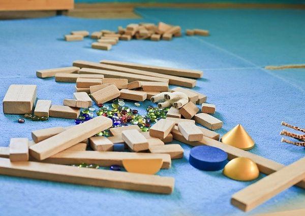 Izbira dovolj kakovostne otroške igralne podloge